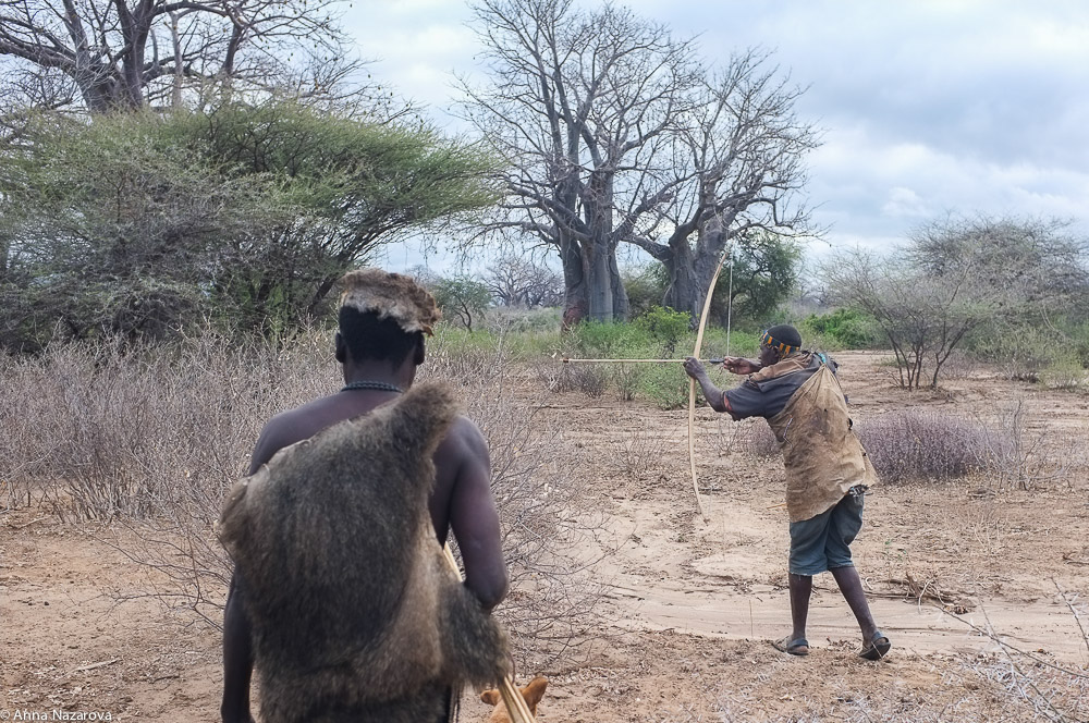 hunting with hadzabe family at lake Eyasi