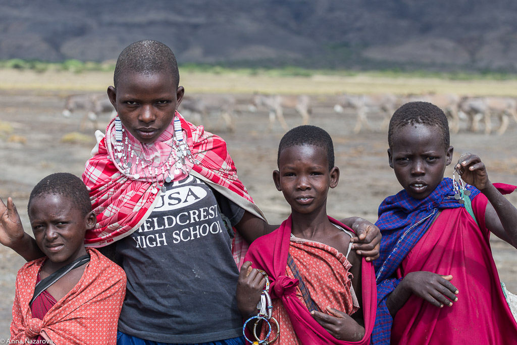 Maasai girls at lake Natron